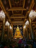 PHITSANULOK, THAILAND - 31. OKTOBER 2018: Buddha-Statue in Phra Sri lizenzfreies stockbild