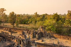 Phnom Bakheng temple at sunset Stock Photos