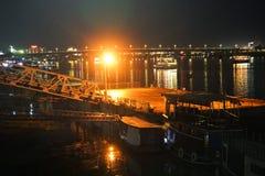 Phnom penh brzeg rzeki przy nocą, Cambodia obrazy royalty free