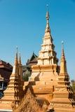 Phnom Penh, Cambogia - 31 gennaio 2015: Wat Ounalom un Histor famoso fotografia stock libera da diritti