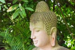 Phnom Penh, Kambodja - 30 Januari 2015: Buddastandbeeld in Zilveren Pagod Stock Foto