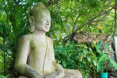 Phnom Penh, Kambodja - 30 Januari 2015: Buddastandbeeld in Zilveren Pagod Stock Fotografie