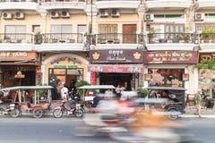 Phnom Penh rusar Royaltyfri Foto