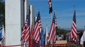 """Phoenix, †""""11/11/2017 de AZ/EUA: Bandeiras, memorial e consumidores do dia de veteranos"""