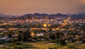 Phoenix Arizona horisont på solnedgången Royaltyfri Fotografi