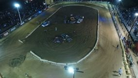 """Phoenix, de V.S. †""""11/25/2017: Luchtvernieling Derby Pull Out stock video"""
