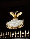 Phoenix dourado no teatro de Fenice do La em Veneza Foto de Stock