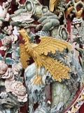 Phoenix drewniany cyzelowanie w Chińskiej świątyni obrazy stock