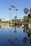 Phoenix im Stadtzentrum gelegen, wie vom Encanto Park See, AZ gesehen Stockfotos