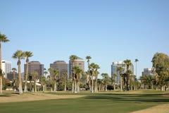Phoenix im Stadtzentrum gelegen, wie von Encanto-Park, AZ gesehen Stockbilder