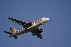 Phoenix Juli 7th 2015, Frontier Airlines, FLYGBUSS A319-111 Landi Royaltyfri Foto