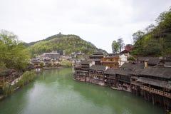 Den Tuojiang floden båda packar ihop landskap i det Phoenix länet, porslin Arkivfoton