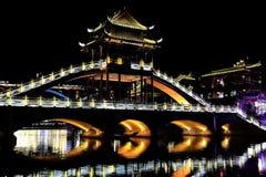 Phoenix, ville antique de fenghuang dans la porcelaine image libre de droits