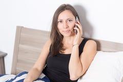 phone kvinnan royaltyfri bild