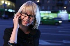 phone talking woman Στοκ εικόνες με δικαίωμα ελεύθερης χρήσης