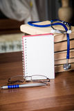 phonendoscope Медицинские истории, книги Стоковые Изображения
