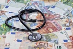 Phonendoscope auf Euro berechnet Hintergrund stockbilder
