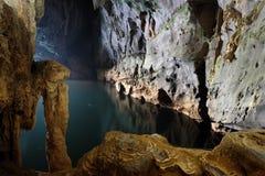 Phong Nha, KE golpea la cueva, patrimonio mundial, Vietnam imagen de archivo