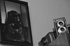 Photina-Spiegelreflexkameraweinlese mit irgendeiner alter Linse lizenzfreies stockbild