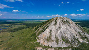 Photo aérienne d'une perle Bashkortostan - Toratau, Tra-Tau Photographie stock libre de droits