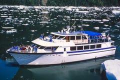 Photo aérienne de bateau de croisière de l'Alaska Images stock