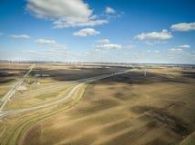 Photo aérienne des turbines de vent à la ferme de vent sur les carrefours entre Chicago et Indianapolis Image libre de droits
