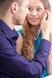 Photo affectueuse de couples de plan rapproché Image libre de droits