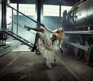 Photo artistique du modèle femelle habillé Photographie stock