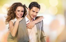 Photo colorée des couples heureux Image libre de droits