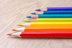 Photo colorée différente de crayons avec l'espace pour le texte images stock