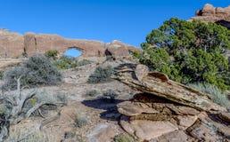 Photo courante de formation de roche rouge, stationnement national de voûtes Image stock