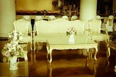 Photo courante - pièce et salon grands de luxe de Dinning Photographie stock libre de droits