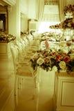 Photo courante - pièce et salon grands de luxe de Dinning Photographie stock