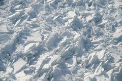 Photo détaillée du fleuve StLaurent congelé à Montréal, avec le cru images libres de droits