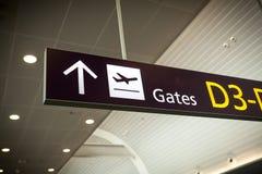 Photo d'aéroport moderne de connexion de direction Photographie stock