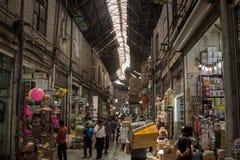 Photo d'une rue couverte de bazar de Téhéran, Iran Photographie stock libre de droits