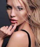 Photo de belle femme sexy avec les cheveux blonds Images stock