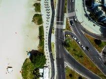 Photo de bourdon de promenade de plage de Pepe et de rue de Lucio Costa, Rio de Janeiro photo libre de droits
