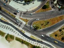 Photo de bourdon de promenade de plage de Pepe et de rue de Lucio Costa, Rio de Janeiro image stock
