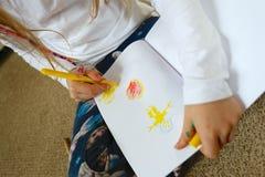 Photo de dessin d'enfant/fille pour le jour de mère Photographie stock libre de droits