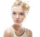 Photo de jeune belle femme avec les cheveux blonds photographie stock