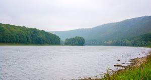 Photo de la grande rivière, vue de plage Image libre de droits