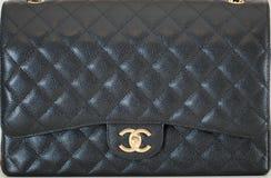 Photo de marque noire de sac à main de Chanel image stock