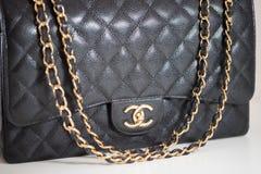 Photo de marque noire de sac à main de Chanel images libres de droits