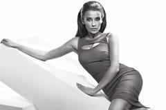 Photo de mode de femme sensuelle merveilleuse Photographie stock libre de droits