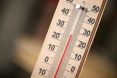 Photo de plan rapproché de thermomètre de ménage Photographie stock libre de droits