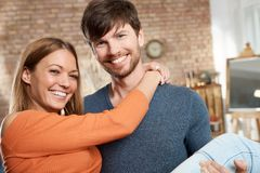 Photo de plan rapproché des couples affectueux Images libres de droits