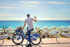 Photo de rue sur Promenade des Anglais à Nice ` Azur, la Côte d'Azur, France de Cote d photos libres de droits