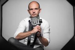 Photo de studio d'un jeune homme beau adulte image libre de droits
