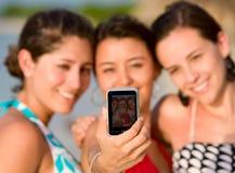 Photo de vacances des filles Image libre de droits